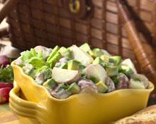 Салат из авокадо с картофелем